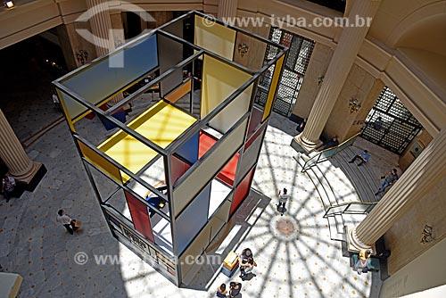 Estrutura temática no hall do Centro Cultural Banco do Brasil durante a exposição da Piet Mondrian  - Rio de Janeiro - Rio de Janeiro (RJ) - Brasil