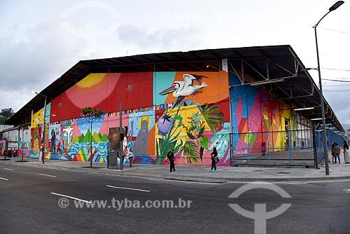 Galpão com grafite na zona portuária durante ArtRua  - Rio de Janeiro - Rio de Janeiro (RJ) - Brasil