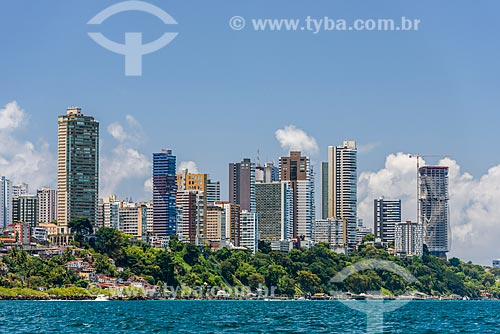 Vista de prédios no bairro Vitória a partir da Baía de Todos os Santos  - Salvador - Bahia (BA) - Brasil