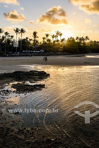 Vista do pôr do sol na orla da 3ª Praia  - Cairu - Bahia (BA) - Brasil