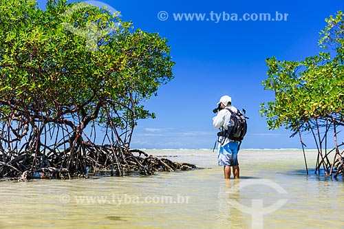 Fotógrafo na Praia do Encanto  - Cairu - Bahia (BA) - Brasil