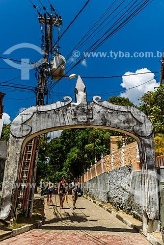 Portal na Rua da Fonte Grande  - Cairu - Bahia (BA) - Brasil