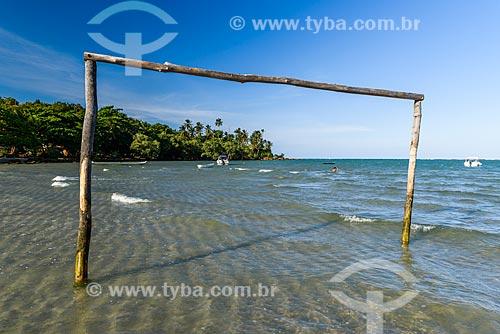 Trave na orla da Praia de Moreré  - Cairu - Bahia (BA) - Brasil