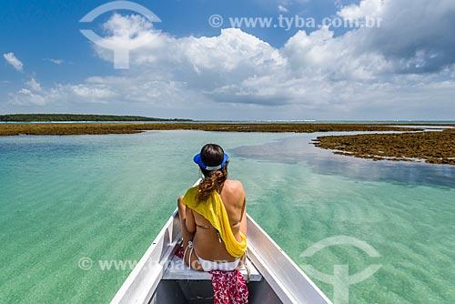 Lancha nas piscinas naturais da Ponta dos Castelhanos  - Cairu - Bahia (BA) - Brasil