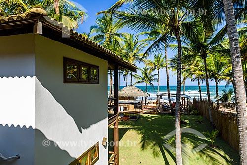 Vista da orla da Praia de taipús de fora a partir do Hotel Dreamland Bungalows  - Maraú - Bahia (BA) - Brasil