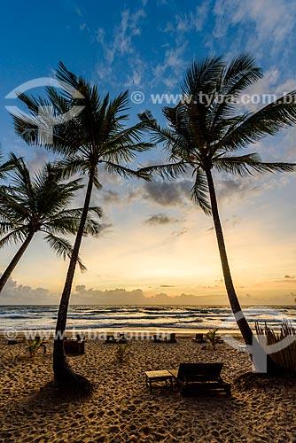 Amanhecer na orla da Praia de taipús de fora  - Maraú - Bahia (BA) - Brasil