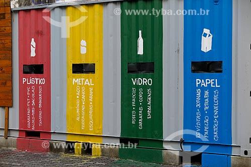 Lixeiras para coleta seletiva de lixo  - Rio de Janeiro - Rio de Janeiro (RJ) - Brasil