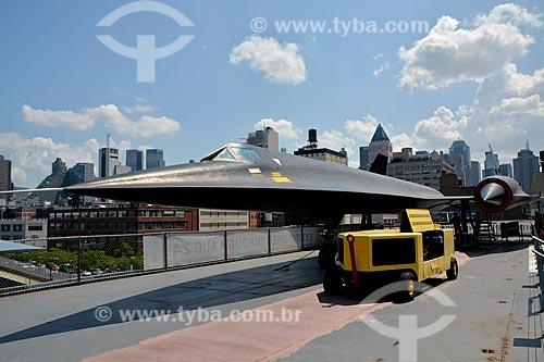 Avião - Lockheed A-12 Blackbird no porta-aviões da Segunda Guerra Mundial USS Intrepid - Museu Intrepid (1982)  - Cidade de Nova Iorque - Nova Iorque - Estados Unidos