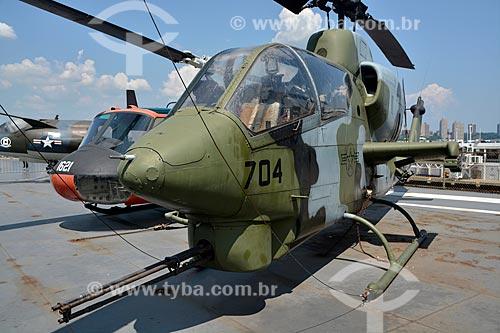 Helicóptero - Bell AH-1J Sea Cobra no porta-aviões da Segunda Guerra Mundial USS Intrepid - Museu Intrepid (1982)  - Cidade de Nova Iorque - Nova Iorque - Estados Unidos