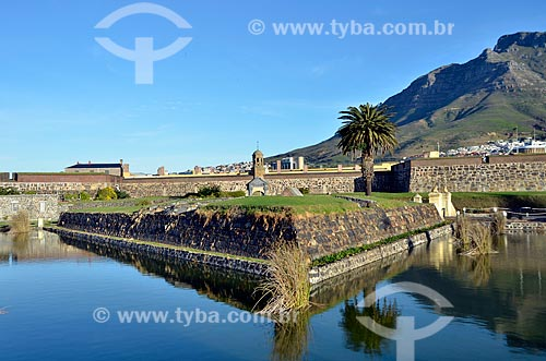 Castelo da Boa Esperança - Estrutura mais antiga da África do Sul, erguida entre 1666 e 1679 pela Companhia das ͍ndias Orientais Holandesas - Atualmente abriga um museu e é a sede das forças armadas  - Cidade do Cabo - Província do Cabo Ocidental - África do Sul