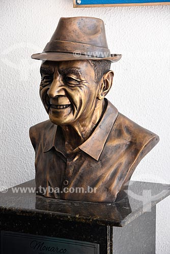 Busto de Monarco na quadra de escola de samba Portela  - Rio de Janeiro - Rio de Janeiro (RJ) - Brasil
