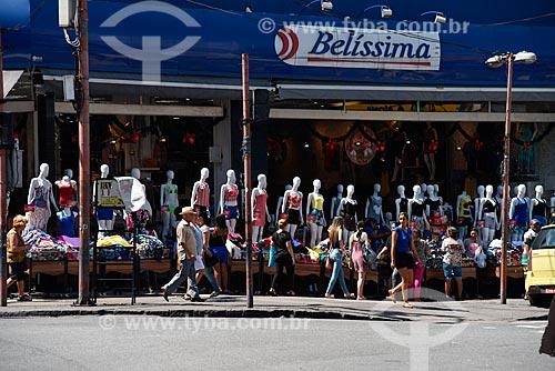 Manequins em entrada de loja de roupas  - Rio de Janeiro - Rio de Janeiro (RJ) - Brasil