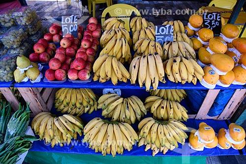 Detalhe de barraca com frutas à venda  - Rio de Janeiro - Rio de Janeiro (RJ) - Brasil