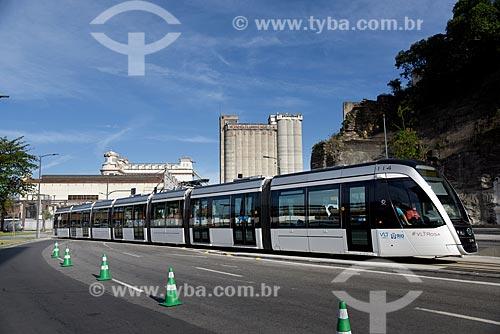 Veículo leve sobre trilhos na Via Binário do Porto  - Rio de Janeiro - Rio de Janeiro (RJ) - Brasil