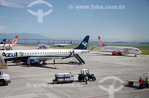Aviões na pista do Aeroporto Santos Dumont  - Rio de Janeiro - Rio de Janeiro (RJ) - Brasil