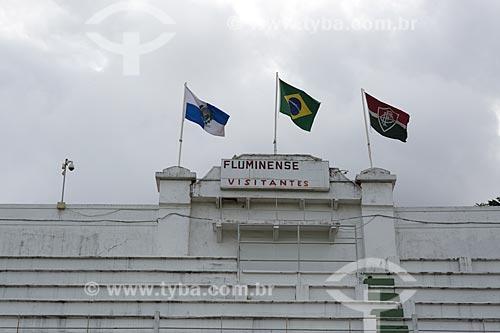 Bandeiras do Estado do Rio de Janeiro, Brasil e do Fluminense hasteadas no Estádio Manoel Schwartz - mais conhecido como Estádio das Laranjeiras  - Rio de Janeiro - Rio de Janeiro (RJ) - Brasil