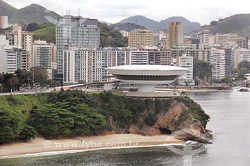 Vista do Museu de Arte Contemporânea de Niterói (1996) - parte do Caminho Niemeyer  - Niterói - Rio de Janeiro (RJ) - Brasil