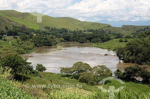 Vista do Rio Paraíba do Sul próximo ao km 284 da Rodovia Presidente Dutra (BR-116)  - Rio de Janeiro - Rio de Janeiro (RJ) - Brasil