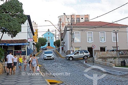 Vista da Rua Doutor Manoel Joaquim com a Igreja de Nossa Senhora do Rosário (1820) ao fundo  - Baependi - Minas Gerais (MG) - Brasil