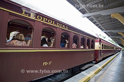 Detalhe de vagão da Locomotiva The Baldwin Locomotive Works 1424, USA 59712 (1927) - que faz o passeio turístico entre as cidades de São Lourenço e Soledade de Minas - na Estação Ferroviária de São Lourenço  - São Lourenço - Minas Gerais (MG) - Brasil