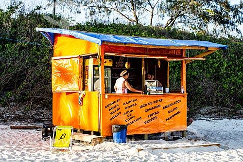 Pequeno comércio de alimentos e bebidas na Praia dos Açores  - Florianópolis - Santa Catarina (SC) - Brasil