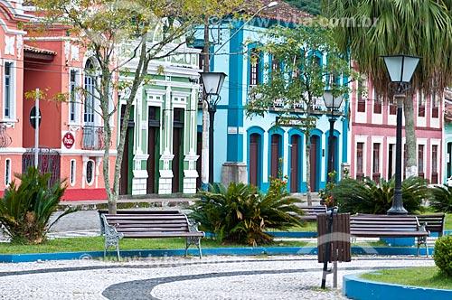 Vista da fachada de casarios em Iguape a partir da Praça da Basílica  - Iguape - São Paulo (SP) - Brasil