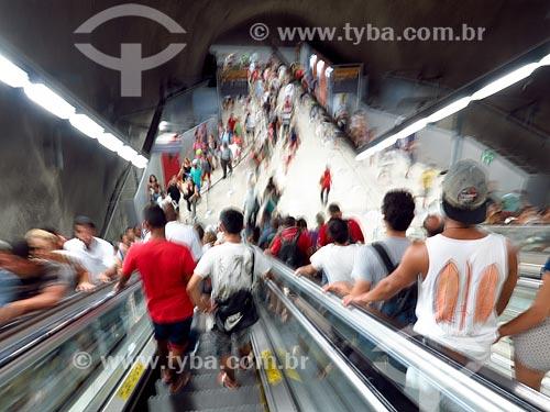 Passageiros no interior de estação do Metrô Rio  - Rio de Janeiro - Rio de Janeiro (RJ) - Brasil
