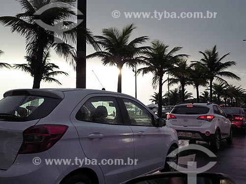 Congestionamento durante a chuva na Barra da Tijuca  - Rio de Janeiro - Rio de Janeiro (RJ) - Brasil