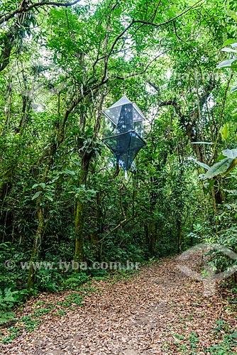Pesquisadores armando armadilha para capturar morcegos na Reserva Ecológica de Guapiaçu  - Cachoeiras de Macacu - Rio de Janeiro (RJ) - Brasil