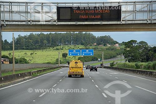 Tráfego em trecho da Rodovia Dom Pedro I (SP-065)  - Campinas - São Paulo (SP) - Brasil
