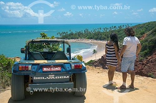 Casal no Mirante da Praia de Coqueirinhos  - Conde - Paraíba (PB) - Brasil