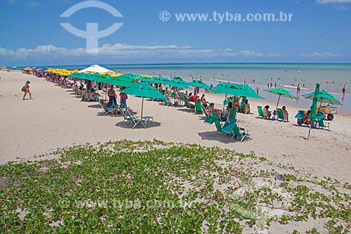Banhistas na Praia de Cabo Branco  - João Pessoa - Paraíba (PB) - Brasil