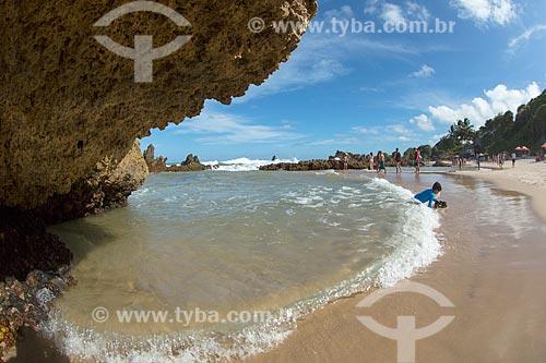 Banhistas na Praia de Tambaba  - Conde - Paraíba (PB) - Brasil