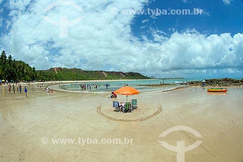 Banhistas na Praia de Coqueirinhos  - Conde - Paraíba (PB) - Brasil