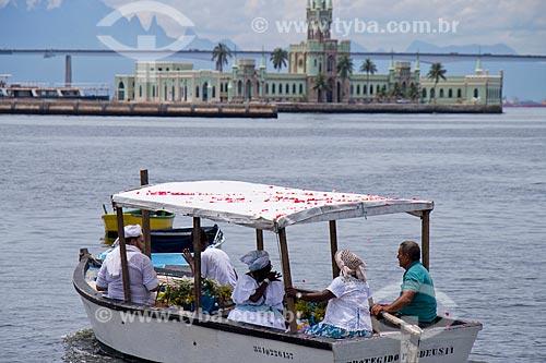 Cortejo em homenagem a Iemanjá na Baía de Guanabara - Organizado pelo Afoxé Estrela Doyá  - Rio de Janeiro - Rio de Janeiro (RJ) - Brasil
