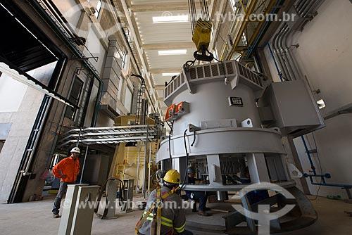 Montagem da bomba da Unidade de Bombeamento UBI 2 - eixo norte - parte do Projeto de Integração do Rio São Francisco com as bacias hidrográficas do Nordeste Setentrional  - Cabrobó - Pernambuco (PE) - Brasil