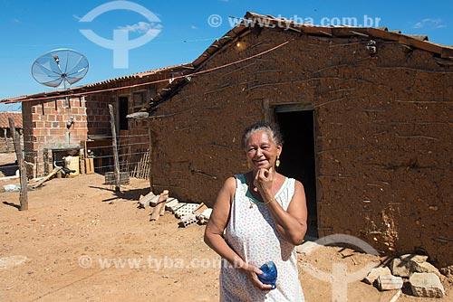 Detalhe de mulher da Aldeia Camaleão - Tribo Truká  - Cabrobó - Pernambuco (PE) - Brasil