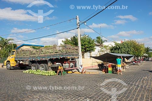 Barraca e frutas à venda na cidade de Monteiro  - Monteiro - Paraíba (PB) - Brasil
