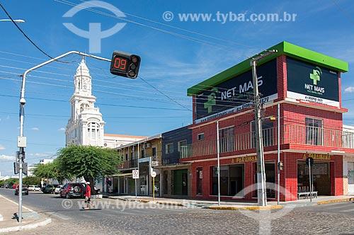 Semáforo na Rua Coronel João Santa Cruz com a Igreja de Nossa Senhora das Dores  - Monteiro - Paraíba (PB) - Brasil
