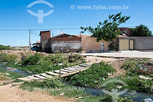 Esgoto a céu aberto na periferia de Cabrobó  - Cabrobó - Pernambuco (PE) - Brasil