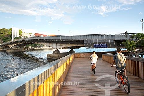 Ciclistas na Orla Prefeito Luiz Paulo Conde  - Rio de Janeiro - Rio de Janeiro (RJ) - Brasil