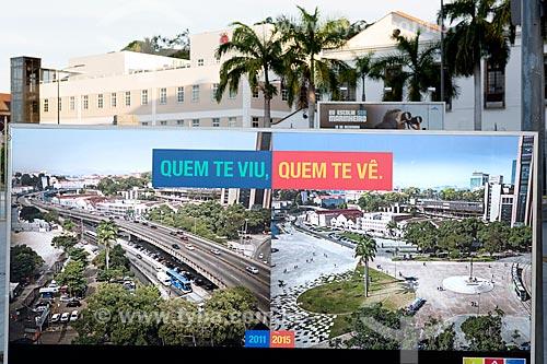 Publicidade na Praça Mauá mostrando a diferença entre o antes e depois das obras do Porto Maravilha  - Rio de Janeiro - Rio de Janeiro (RJ) - Brasil