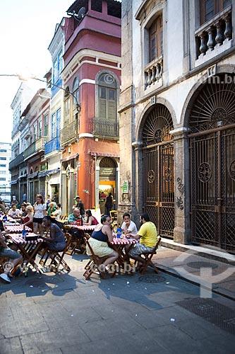 Mesas e cadeiras de bar na Rua do Ouvidor  - Rio de Janeiro - Rio de Janeiro (RJ) - Brasil