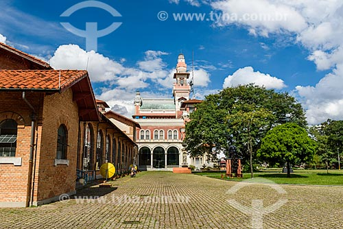 Fachada do Palácio das Indústrias (1920) - hoje abriga o Museu Catavento - no Parque Dom Pedro II  - São Paulo - São Paulo (SP) - Brasil