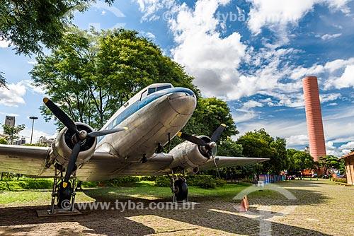 Avião DC3 da VASP em exposição a céu aberto no Parque Dom Pedro II  - São Paulo - São Paulo (SP) - Brasil