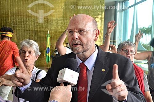 Entrevista com o Deputado Elvino Bohn Gass após a aprovação do impeachment da Presidente Dilma Rousseff no Senado Federal  - Brasília - Distrito Federal (DF) - Brasil