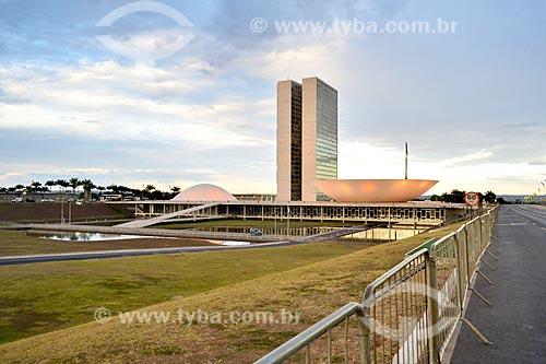 Vista do Congresso Nacional com grades durante manifestação após a aprovação do impeachment da Presidente Dilma Rousseff no Senado Federal  - Brasília - Distrito Federal (DF) - Brasil