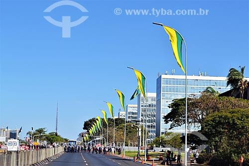 Vista da Esplanada dos Ministérios com grades durante manifestação após a aprovação do impeachment da Presidente Dilma Rousseff no Senado Federal  - Brasília - Distrito Federal (DF) - Brasil