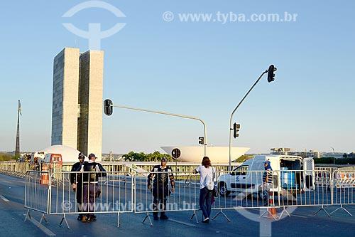 Vista do Congresso Nacional com grades durante a sessão de julgamento do impeachment da Presidente Dilma Rousseff no Senado Federal  - Brasília - Distrito Federal (DF) - Brasil