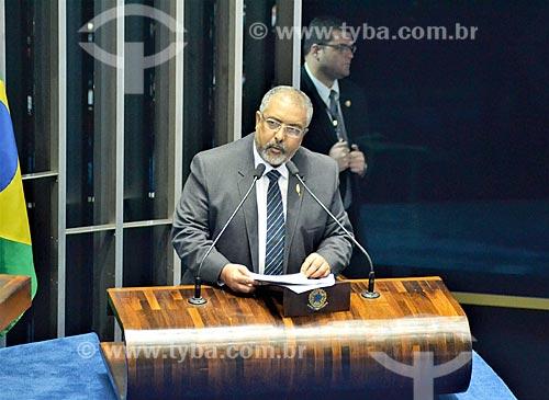 Senador Paulo Paim discursando na tribuna durante a sessão de julgamento do impeachment da Presidente Dilma Rousseff no Senado Federal  - Brasília - Distrito Federal (DF) - Brasil
